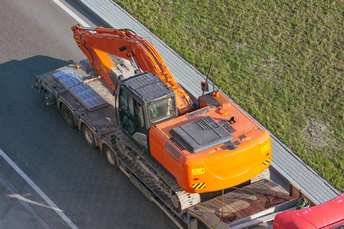 moving equipment on flatdeck